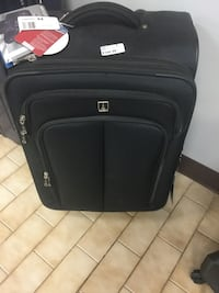 black soft luggage bag 538 km