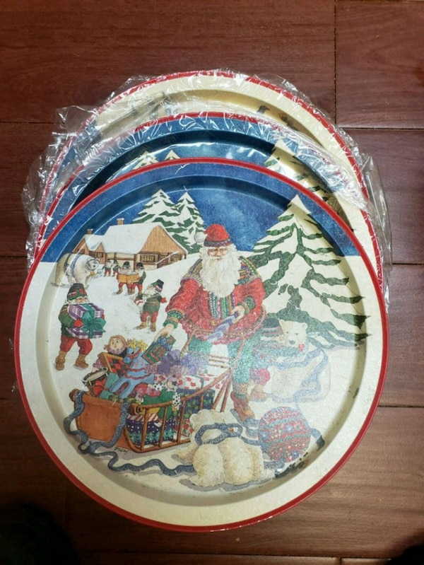 Used 3 decorative Christmas cookie plates for sale in Mount Clemens - letgo