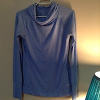 blue v-neck long-sleeved shirt Kelowna, V1Y 5Z2