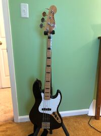 Geddy Lee Jazz Bass by Fender with hard case Manassas, 20112