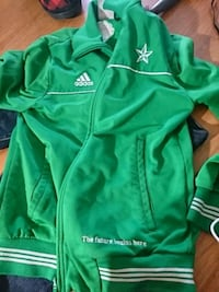 Adidas sweater  London, N6B 1W8