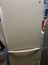 GE refrigerator and glass top stove Hagerstown, 21740
