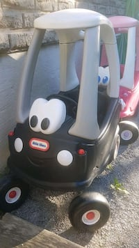 black and gray Little Tikes cozy coupe Barrie, L4N 4Y2