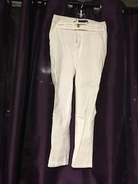 White highwaisted capris