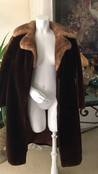Full length for a coat mink collar excellent condition Costa Mesa, 92627