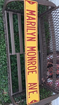 Marilyn Monroe Ave Sign!! Essex, 21221