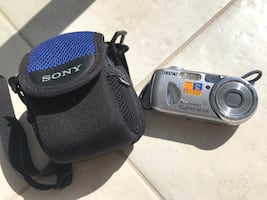 Selling Sony Cybershot DSCP93A 5MP Digital Camera with 3X Optical Zoom