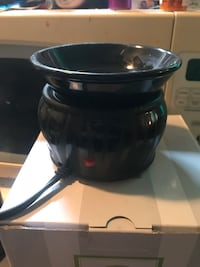 black and gray slow cooker Coquitlam, V3K 3G3
