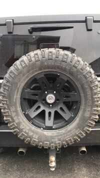 5 Mickey Thompson Baja Tires Bradford, L3Z