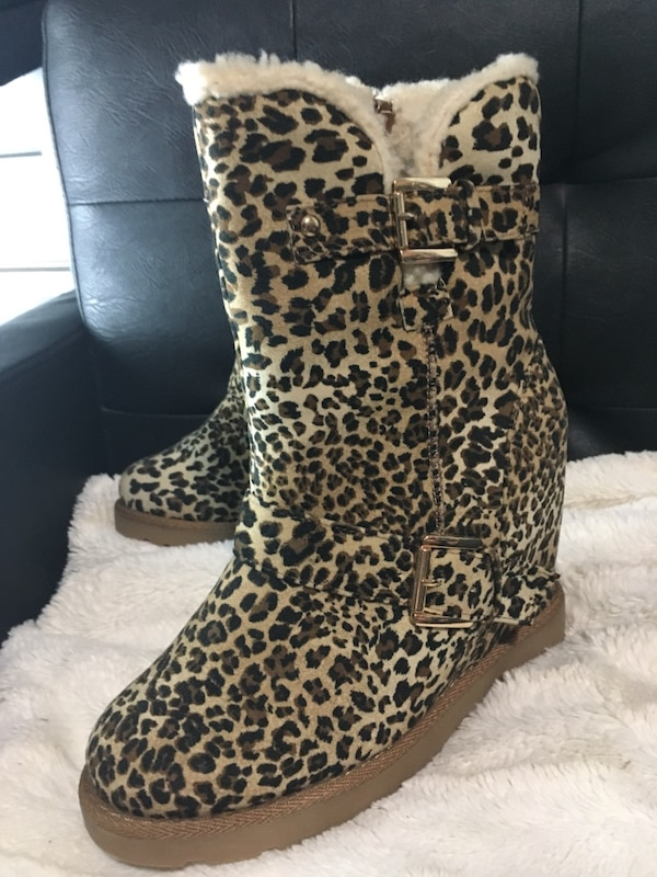 Assorted boots  Brand new or gently used Size 8-81/2 $40-60 8245557f-5fe9-48a3-be38-76e6c4b35132