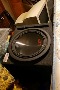 black and gray subwoofer speaker Winnipeg, R2C