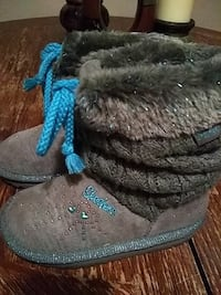pair of gray-and-blue Skechers fuzzy boots