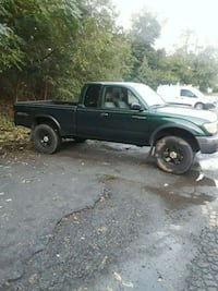 green extra cab pickup truck Mount Airy, 21771