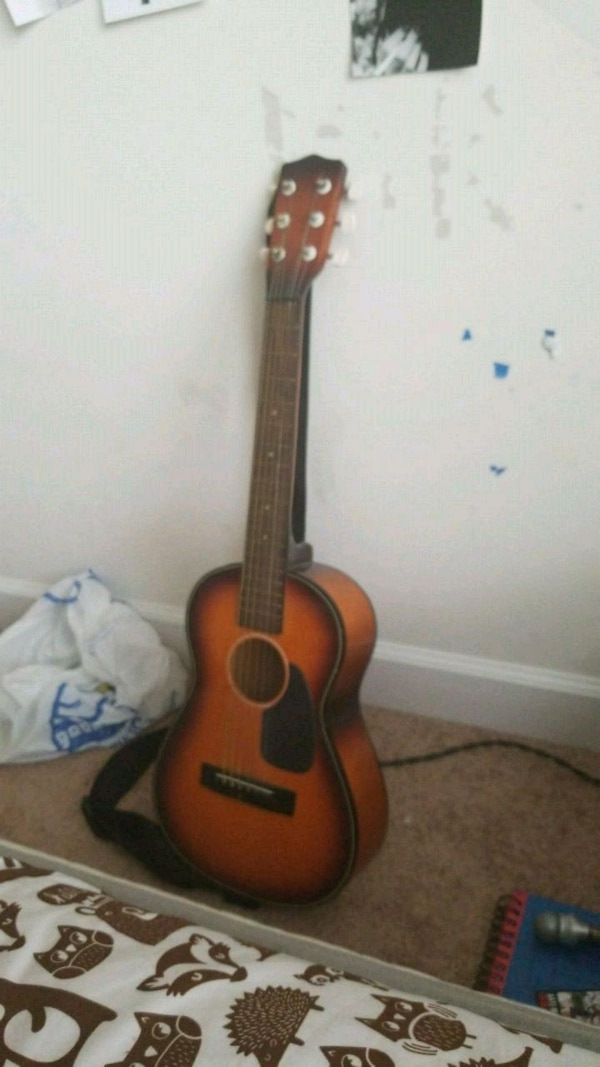 Miny guitar (with new strings)