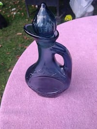 black and gray ceramic vase Bradford West Gwillimbury, L3Z 2A5