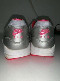 Nike Shoes Los Angeles, 90032
