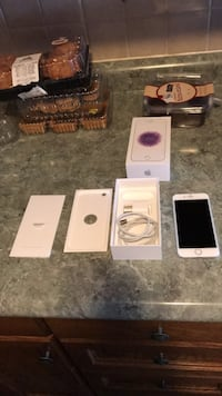 White iphone 6, box, charger Cambridge, N3H 2E2