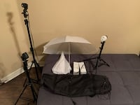 Lighting kit for photo shoots. 3 adjustable stands with bulbs. Las Vegas, 89117