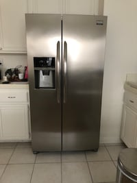 Stainless steel side-by-side refrigerator with dispenser Newport Beach, 92660
