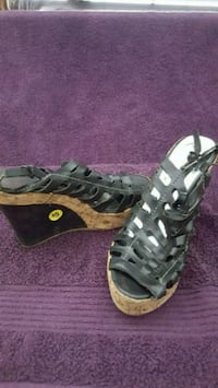 pair of gray leather open-toe gladiator sandals El Paso, 79938
