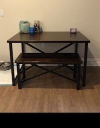 2 benches with table for Nook or kitchen Los Angeles, 91405
