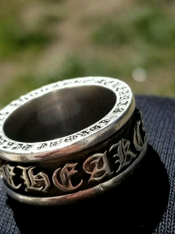 Chome hearts spinner ring