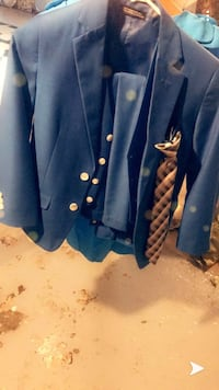 Blue suit with everything   Dearborn, 48126