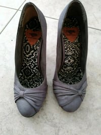Pair of Grey fabric wrapped high heeled shoes gray heels size 8.5 Lake Worth, 33460