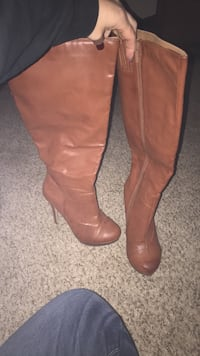 Pair of brown leather knee high boots Baltimore, 21226