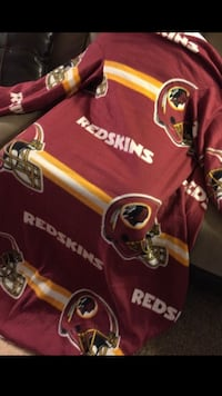 Washington Redskin Snuggie Virginia Beach, 23464