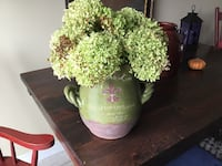Antique looking vase and flowers Barrie, L4M 6Y9