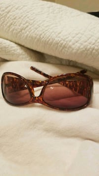 Sunglasses Essex, 21221