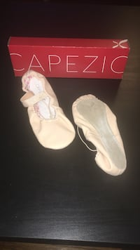 Ballet shoes by capezio adult size 5m  Yonkers, 10704