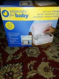 white and blue Lansinoh electric breast pump with box Winchendon, 01475