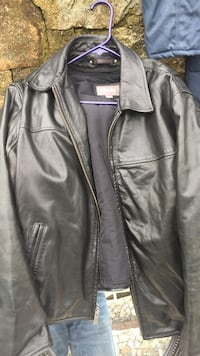 Men's Wilson leather jacket. Large. Thinsulate insulation   Medford, 02155