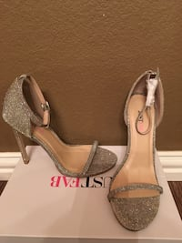 Pair of gray glittered justfab heeled sandals with box BRAND NEW sz8 Mansfield, 76063