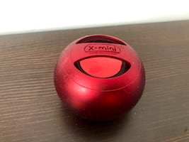 GUC X-mini Capsule Speaker with built-in rechargeable battery (red)