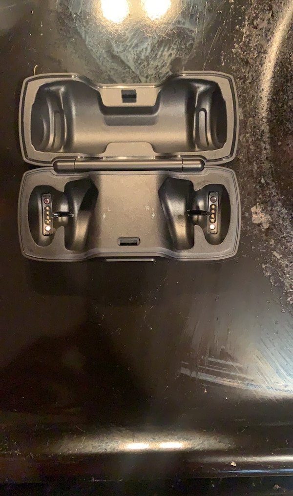 Bose soundsport case (no earphones) 4b6b104c-9a96-4840-b665-75b78a6b3074