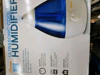 white and blue Vicks humidifier box Springfield, N0L 2J0
