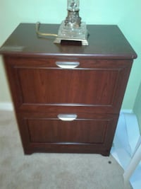 brown wooden 2-drawer nightstand 815 mi