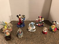Lot of 8 Disney Snow Globes 48 km