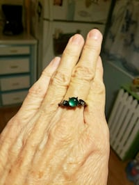 Green stone ring size 8.5