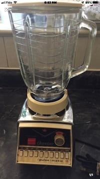 Blender Oster Great Condition  Toronto, M4A