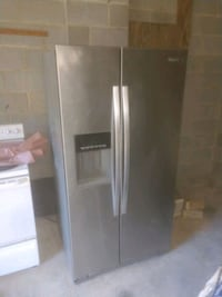 Stainless side by side refrigerator with dispenser Stafford, 22554