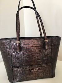 Guess tote bag Burnaby, V5H 2R3