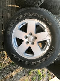 Jeep wheels and tires Livingston, 38570