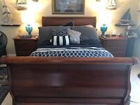 Queen cherry sleigh bed with dresser with mirror & 2 nightstands Holiday, 34691