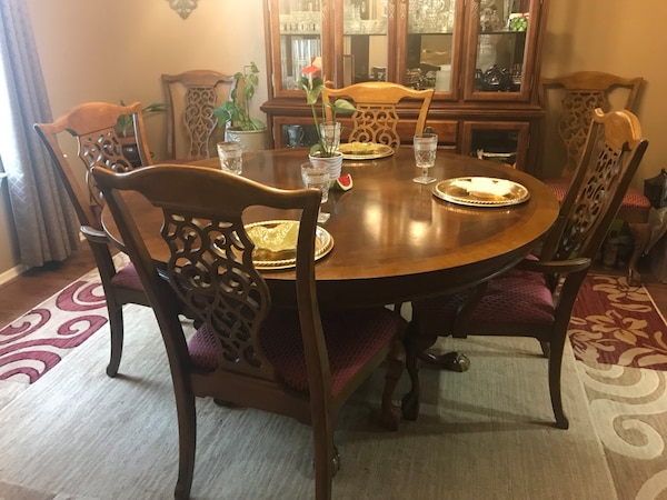 60 Solid Wood Dining Table W 6 Chairs