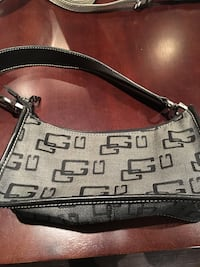 Guess Purse Vaughan, L4J 8B5