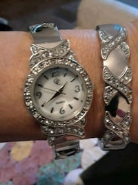 round silver-colored analog watch with link bracelet San Antonio, 78252